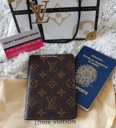 Porta Passaporte Monogram