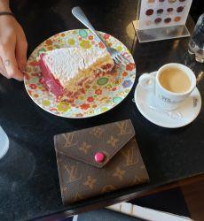 Carteira LV Mini Monogram com Pink