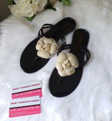 Sandália Chanel Camelia